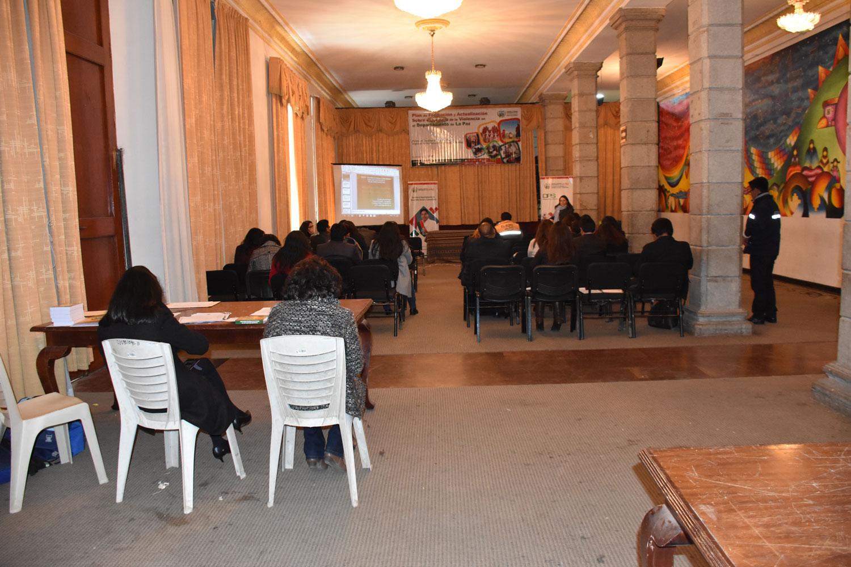 Capacitan a SLIMs de la región Metropolitana en La Paz, El Alto, Viacha, Achocalla, Laja y Mecapaca