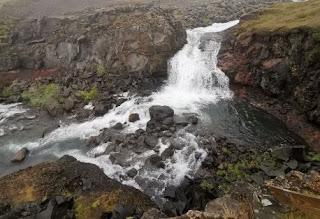 La Cascada Rjúkandafoss o Rjukandi, Islandia, Iceland.