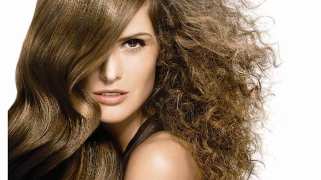 Consejos para reparar el pelo seco y maltratado