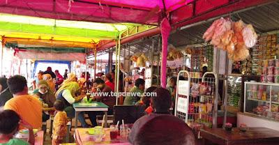 Warung makan di wisata poetoek soeko trawas mojokerto