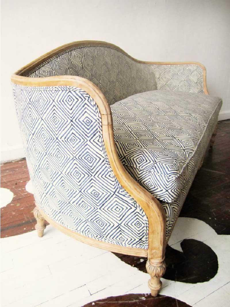nuovo look per il divano in stile Luigi XVI