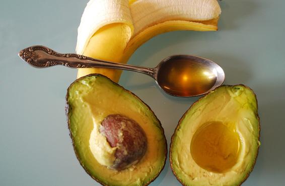 recette diy soin capillaire avocat banane video afro mango cie. Black Bedroom Furniture Sets. Home Design Ideas