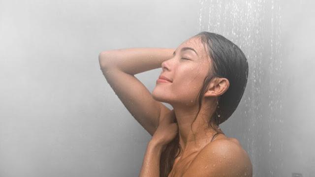 Τα οφέλη του ζεστού μπάνιου πριν τον ύπνο