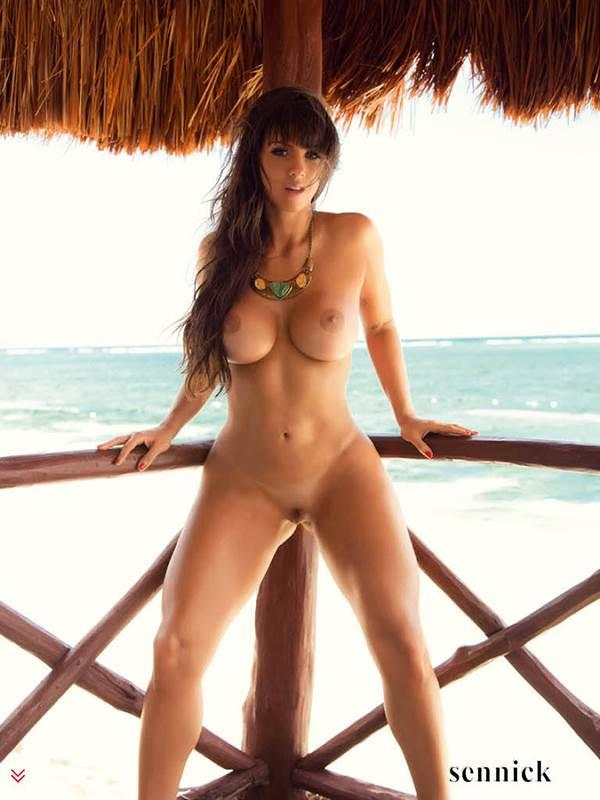 Carol Dias pelada nua em vídeo e fotos 6