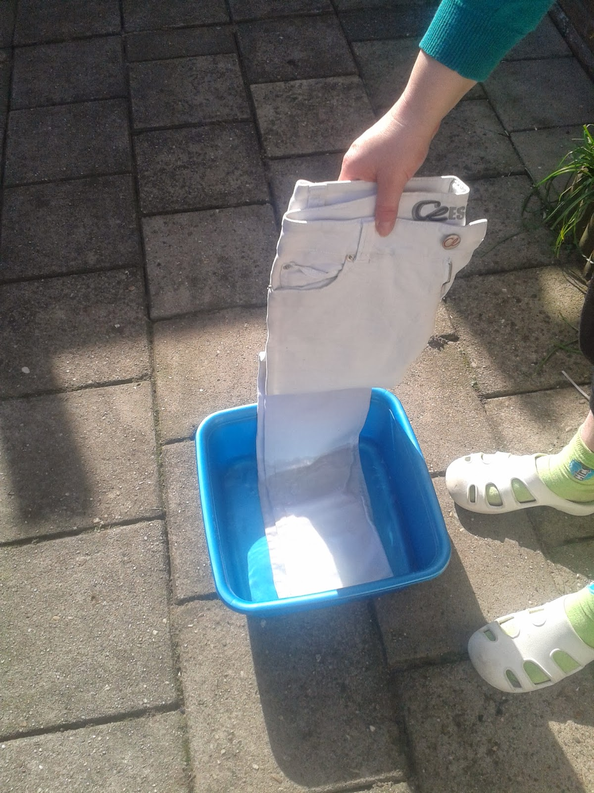 2014 03 04+12.14.53 - DIY broeken bleken