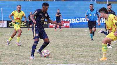 Alex Henrique esquece eliminação e já foca em mais gols pela Aparecidense no Goiano