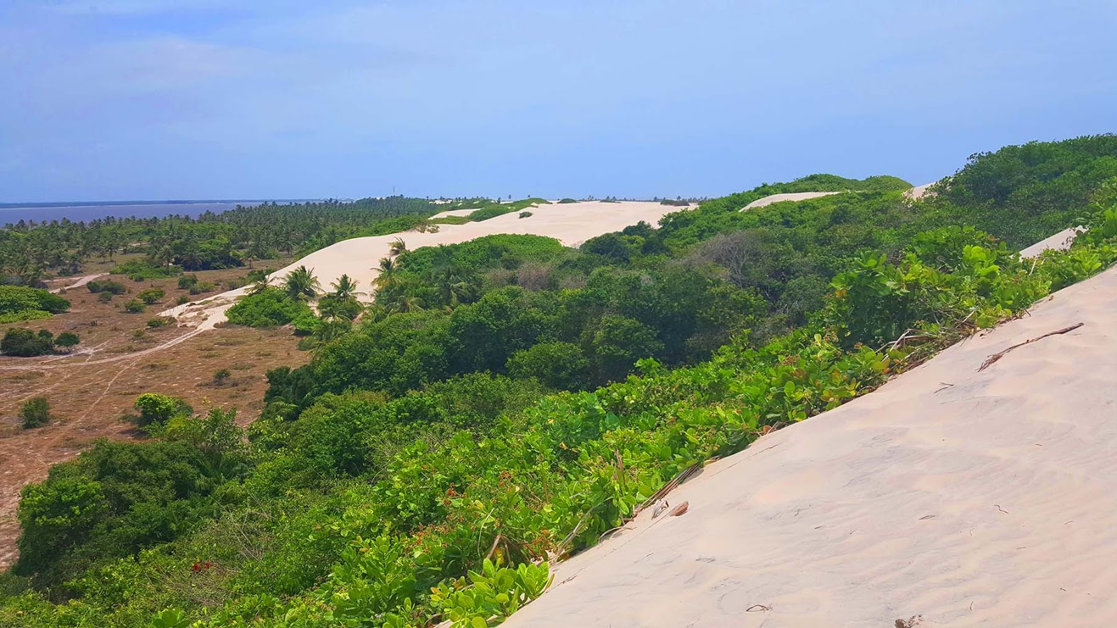 Morro do Caju em Mangue Seco.