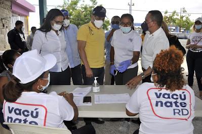 Gobierno con apoyo  Gabinete Agropecuario, alcanza los 20 mil inoculados en jornada vacunación contra COVID 19 en Azua