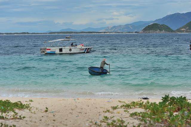 Cano du lịch đi Hòn Nưa, Phú Yên