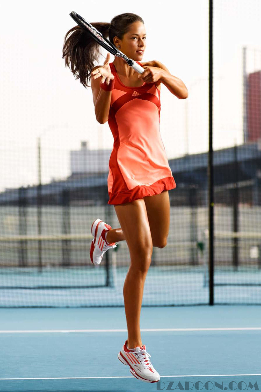 4. Ana ivanovic (Petenis)  Penghasilan Tahunan : $ 6.500.000 ( Rp. 84.500.000.000)  Twitter Followers :588,795  Harga Endorse per Twit : $ 2,759 ( Rp. 35.867.000)  Merek : Adidas, Rolex, Juicy Plus,  samsung, dan Dubai Duty Free   Atlit cantik pada olahraga tennis pernah memenangkan 15 gelar juara termasuk turnamen terbuka Perancis pada tahun 2008. Ana Ivanovic merupakan atlit cantik seperti model yang juga mengukir tahun emasnya pada tahun 2014 dengan meraih 4 gelar juara pada ajang tenis dunia.
