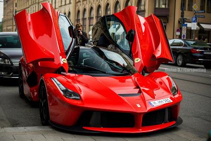 The last ever LaFerrari car has sold for $7,000,000 !!!