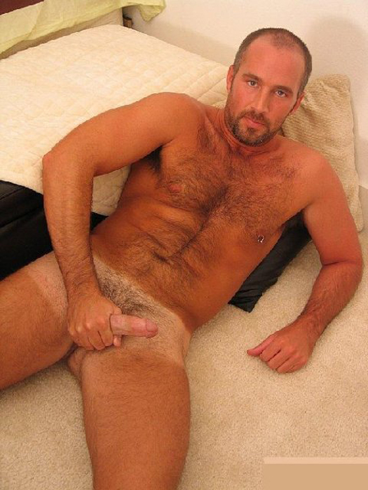 Free nude hairy men's pictures
