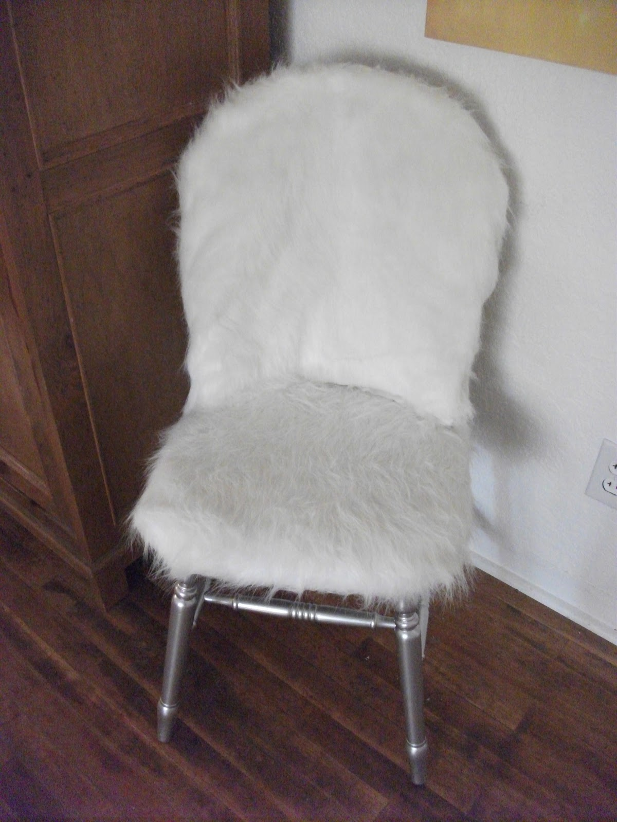Personality Is Preferred Fur Chair  Fur Windsor Chair