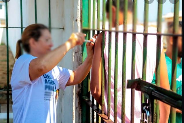 Presos começam a ser vacinados contra Covid-19 em Porto Velho