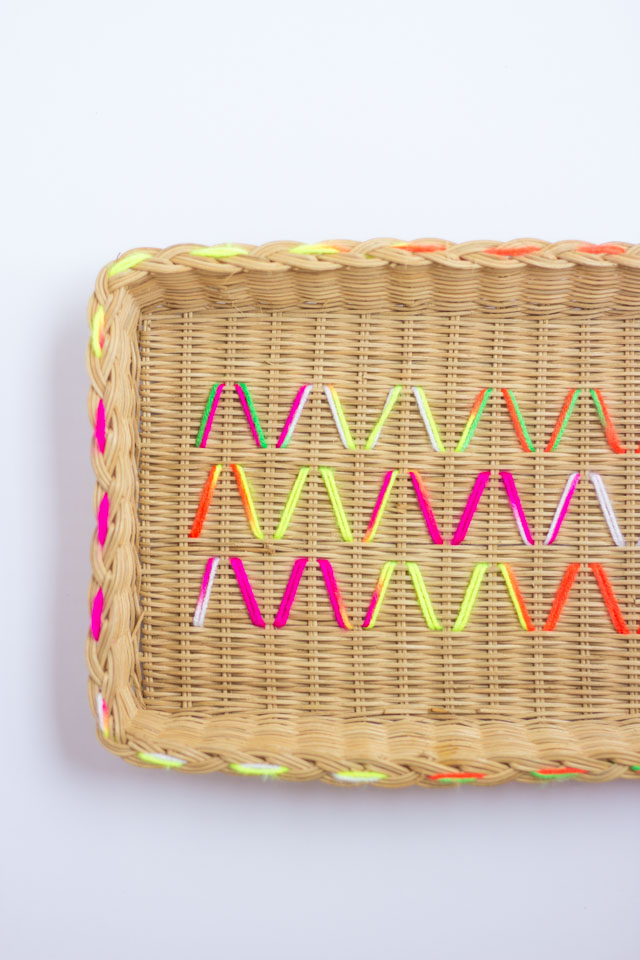 Such a fun project! Update old baskets with colorful yarn!
