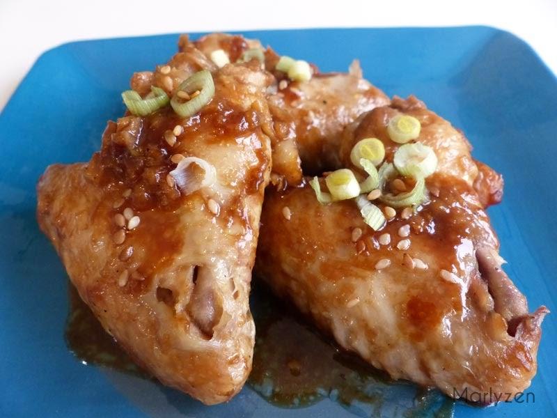 Ailes de poulet laquées à la sauce hoisin.
