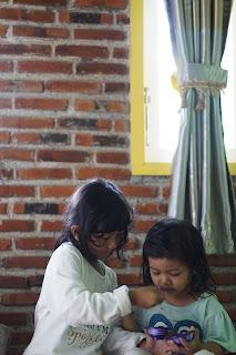 Jarak Anak Lumayan Dekat, Rempong Nggak Sih?