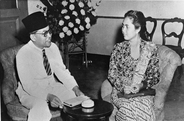 Cerita Bung Karno Melamar Rahmi untuk Bung Hatta
