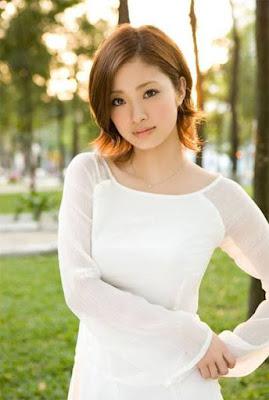 2. Aya Ueto