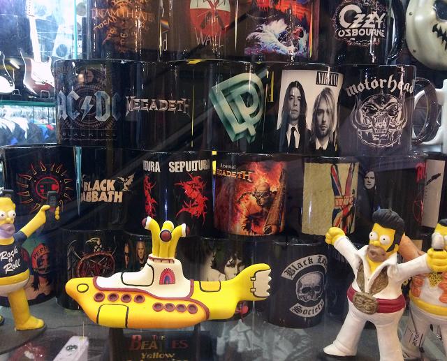 Simpsons e Beatles - Galeria do Rock