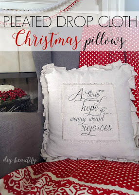 Pleated Christmas pillow plus a free printable | diy beautify