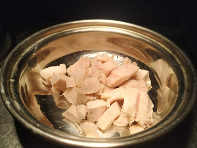 Boiled chicken pieces for white sauce chicken pasta recipe