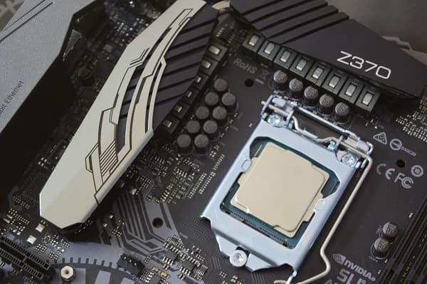 تقرير: موعد اطلاق الجيل التاسع من معالجات إنتل كور i9-9900K