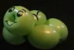Kleine Schildkröte als Ballontier geknotet aus einem Modellierballon.