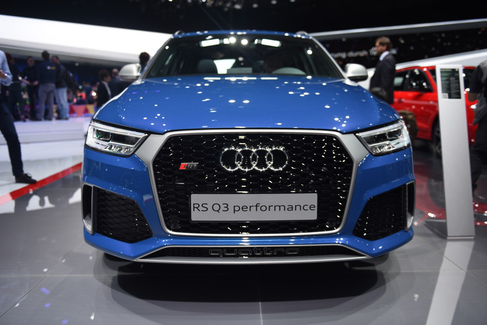 audi rs q3 specs features performance review 2016 coopcar. Black Bedroom Furniture Sets. Home Design Ideas