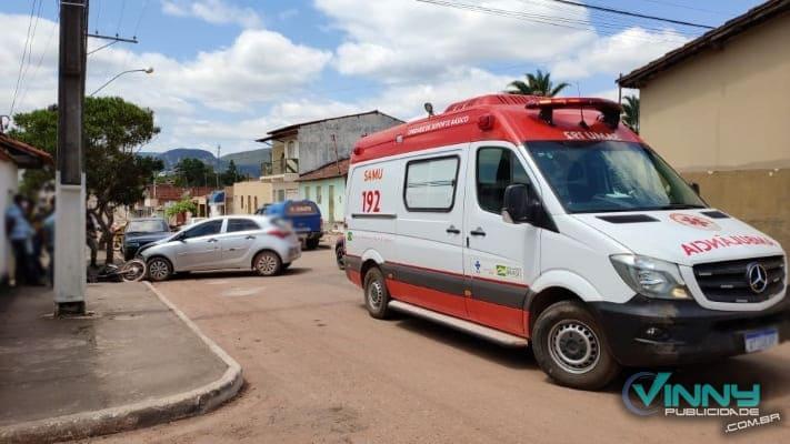 Homem fica ferido após colisão entre carro e moto em Ibicoara