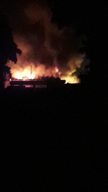 بالصور.. حريق هائل بمخزن زيوت بالبحيرة