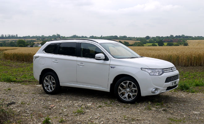 Mitsubishi Outlander PHEV side view