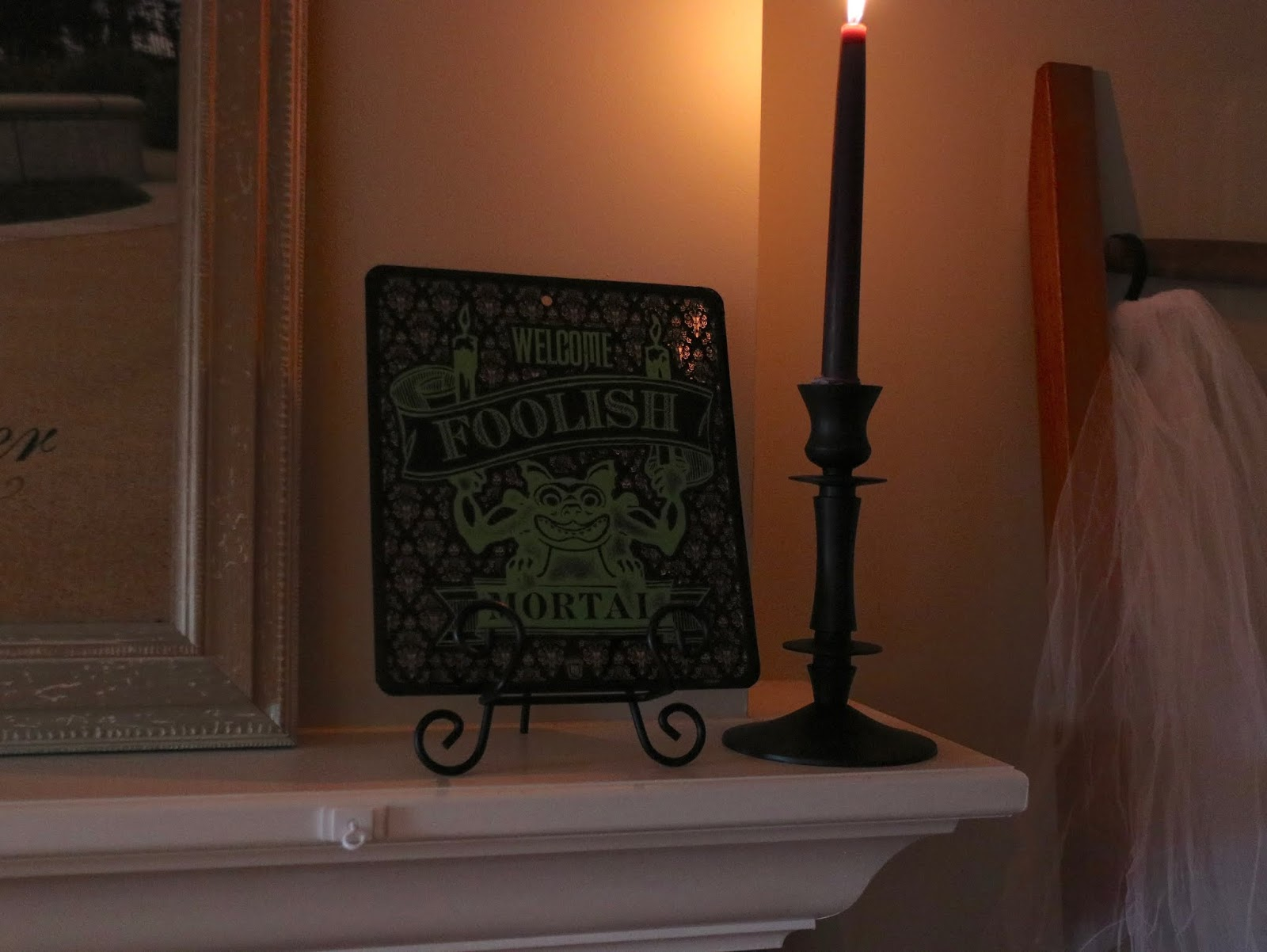 disney haunted mansion theme halloween party