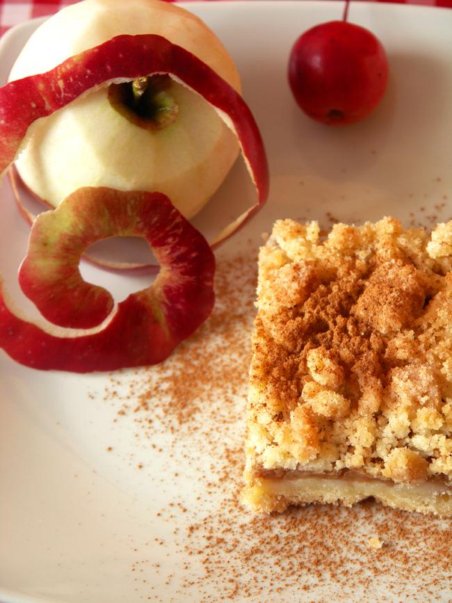 szarlotka kruszonkowa z jabłkami