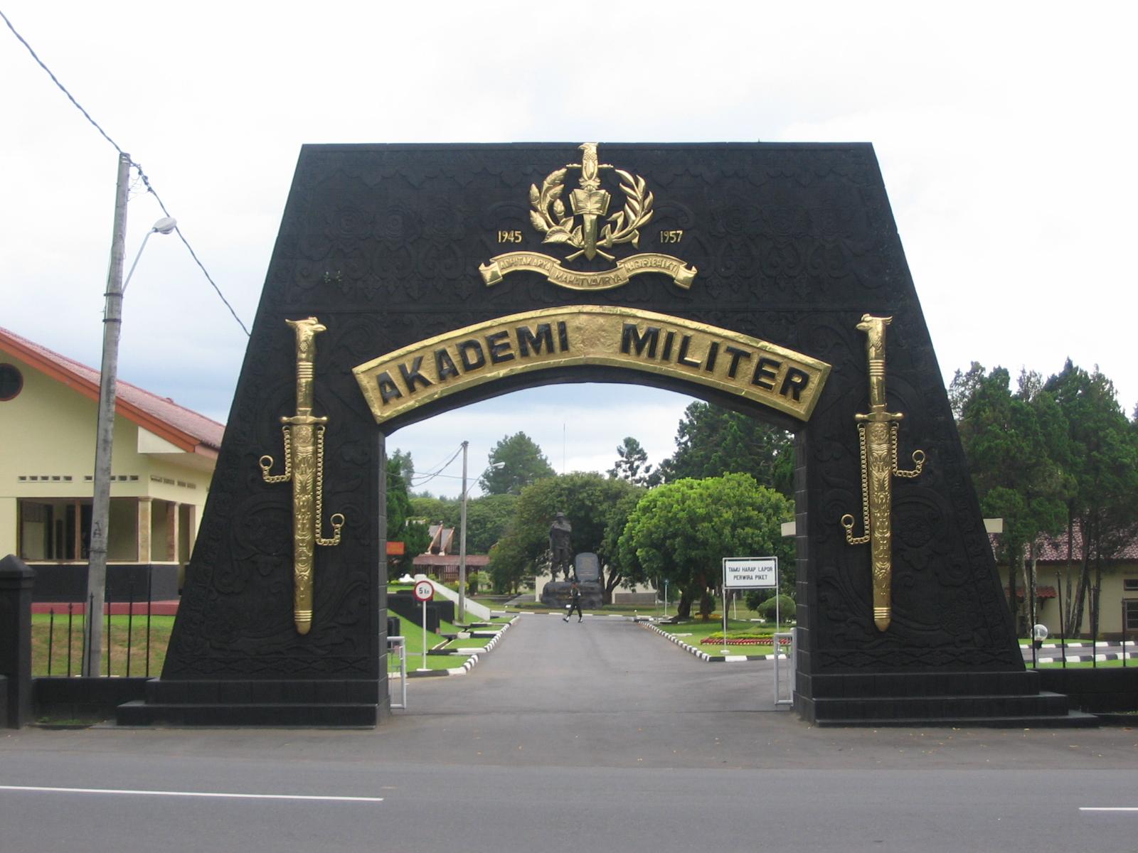 tampak dengan kampus AKMIL