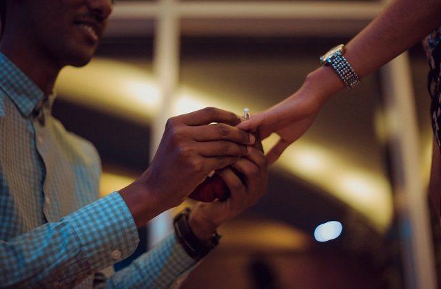 propose on Christmas