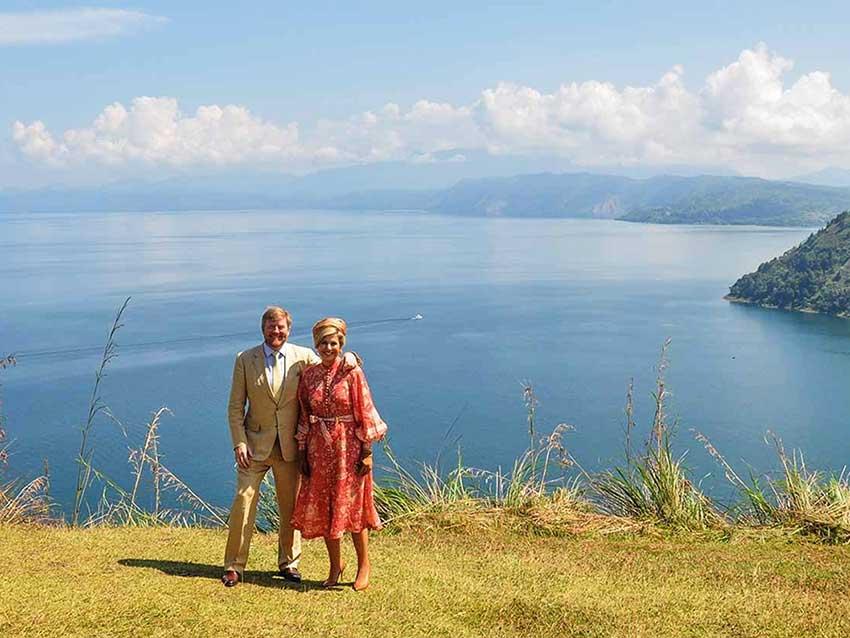 4 Keindahan Danau Toba Dikunjungi Raja dan Ratu Belanda ...