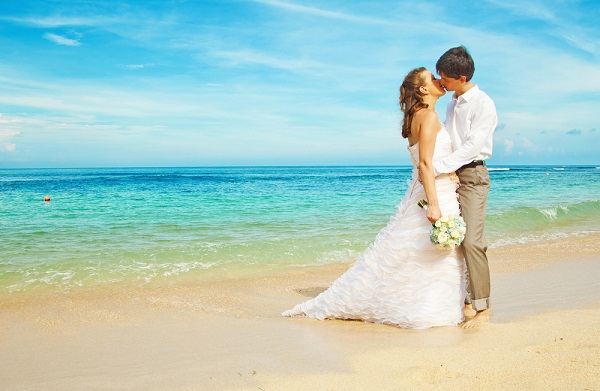 Planning For Your Beach Bridal Accessories