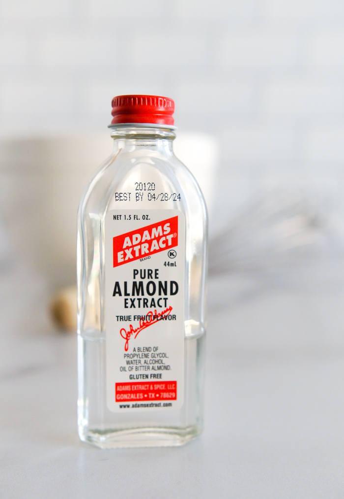 What can I use as an almond extract substitute
