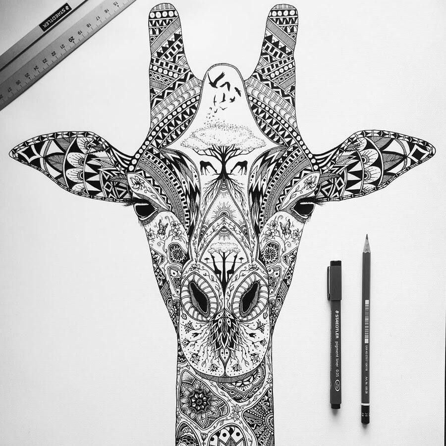 12-Zentangle-giraffe-Tobias-www-designstack-co