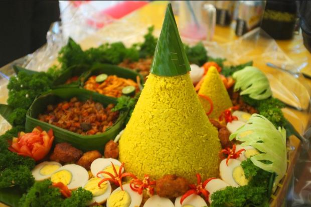 Resep Tumpeng Nasi Kuning Indonesia