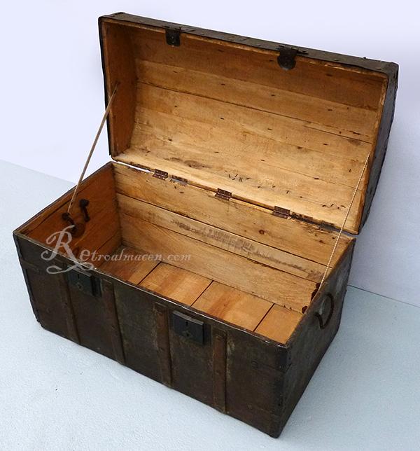 Retroalmacen tienda online de antig edades vintage y - Baul de madera antiguo ...