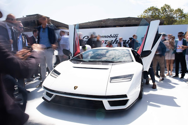 Lamborghini Countach é apresentado oficialmente nos EUA