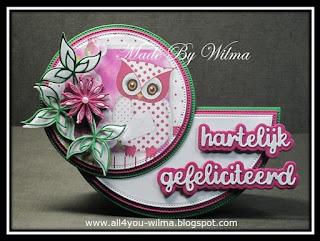 Het felicitatie- wiebel- of schommelkaartje met een uiltje, bloemen en blaadjes voor Marjo. The congratulatory, wobble or swing card with an owl, flowers and leaves for Marjo.