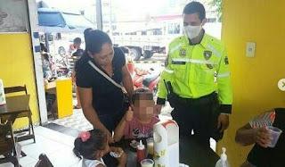 Ação Social equipe de Trânsito do SMTRANS/Sapé-PB, recuperam criança perdida e devolve para sua mão