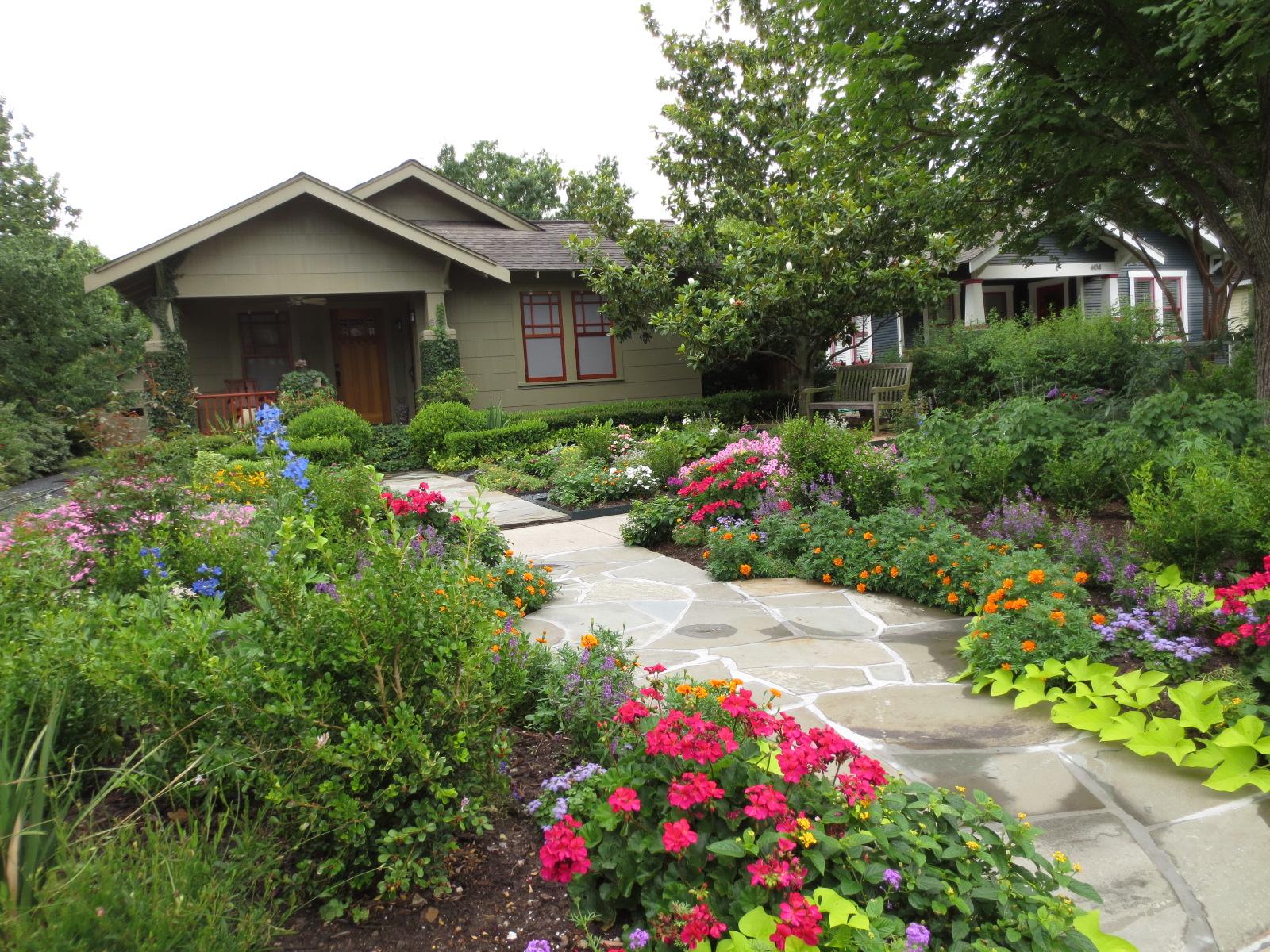 The OtHeR HoUsToN: GREAT BUNGALOW GARDEN IDEAS on Bungalow Backyard Ideas id=80926