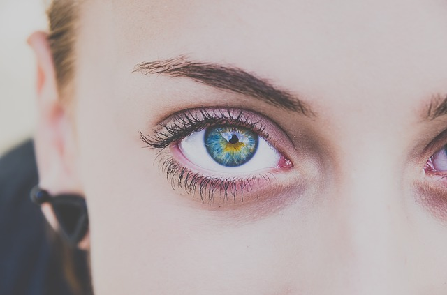 10 natural remedies to fix droopy eyelids in two minutes