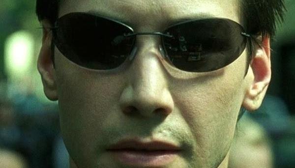Keanu Reeves: 'Matrix 4' é 'uma história de amor' e não se passa no passado