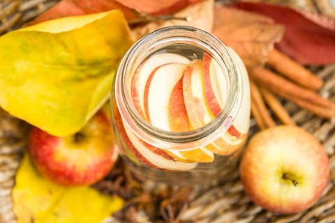 Könnyíti az emésztőrendszert, pörgeti az anyagcserét: salaktalanító házi italt mutatunk