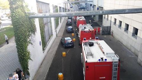 Kiürítették az Árkád bevásárlóközpontot, rengeteg tűzoltók érkezett a helyszínre